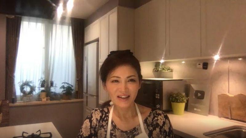 関口絢子さんインタビュー風景